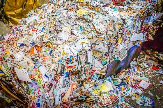 Mixed bale of recycled material